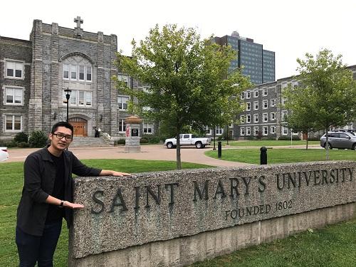 Saint Marys Uni student