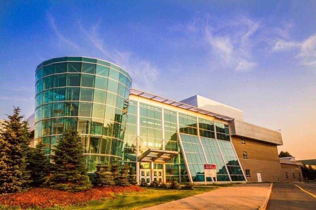 Du học Canada với chi phí thấp không nên bỏ qua Memorial University of NewFoundland 1