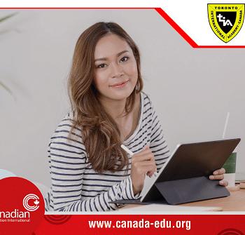 Năm mới rước học bổng mới từ Toronto International Academy (TIA)